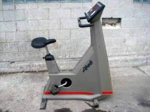 LifeCycle 9500 9500HR HR UPRIGHT EXERCISE BICYCLE BIKE